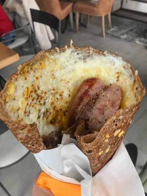 Saint-Nazaire : à Barapom, on mange crêpe ou galette face à la mer