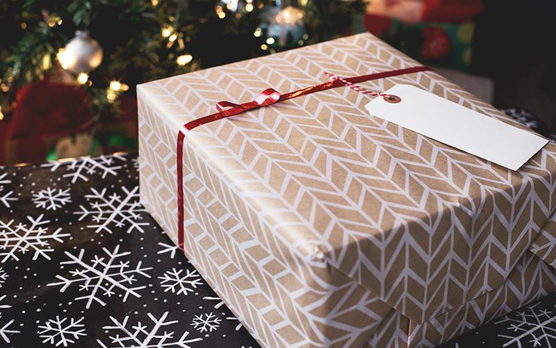 Shopping de Noël : 5 idées pour offrir vos cadeaux à distance