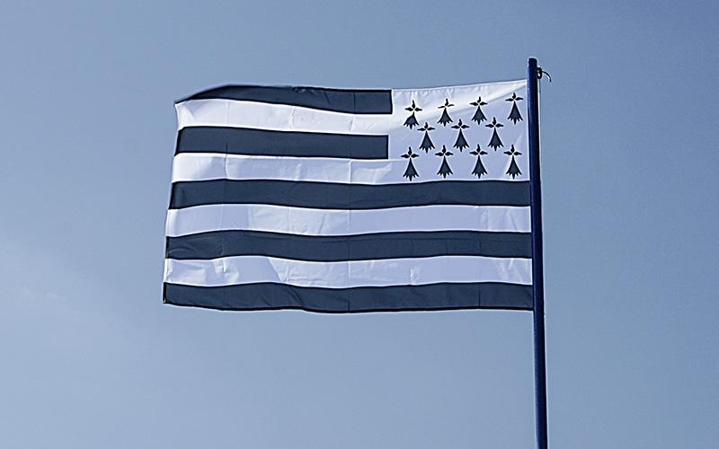 Le drapeau breton flottera bientôt partout en Loire-Atlantique