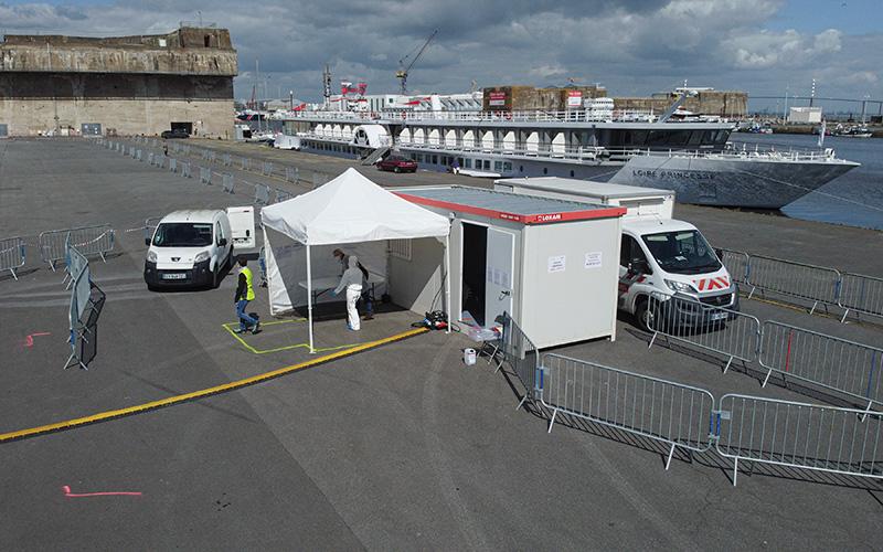 """Covid-19 : premiers tests """"en drive"""" réalisés ce matin à Saint-Nazaire"""