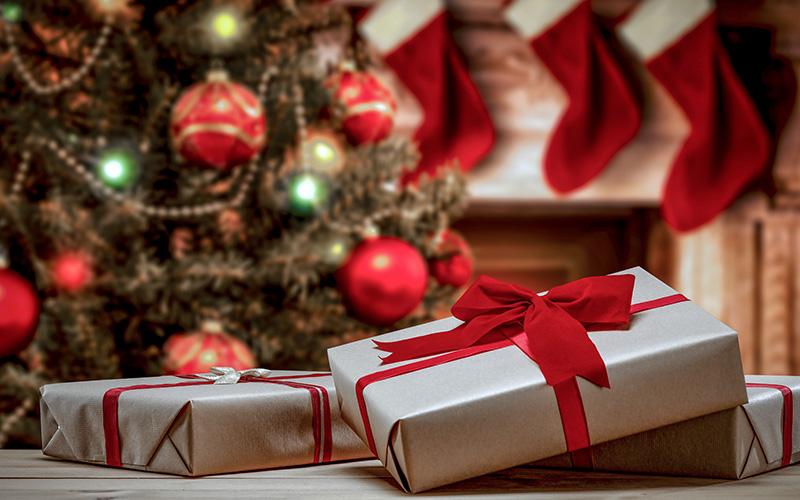 Saint-Nazaire : distribution de bons cadeaux de Noël pour les plus démunis
