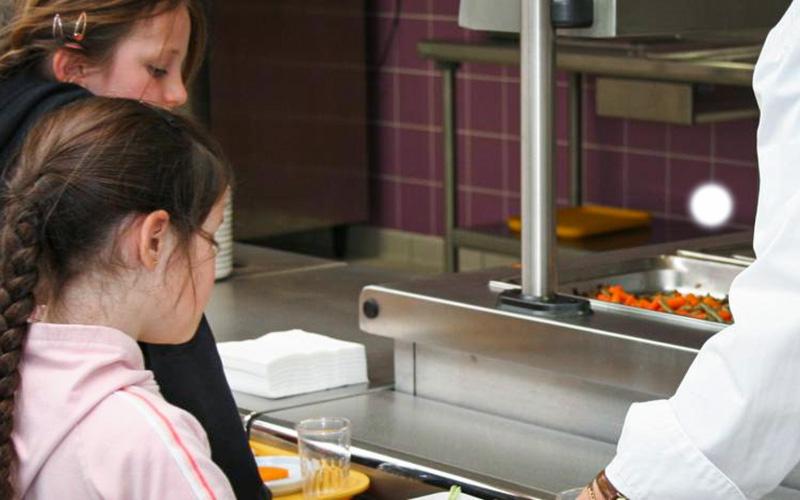 Pornichet : un agent de la cuisine centrale testé positif, la restauration scolaire ferme