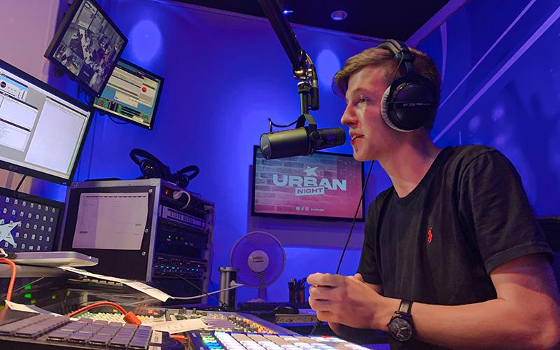 Saint-Nazaire : 100 h de radio pour battre un record de talk-show !