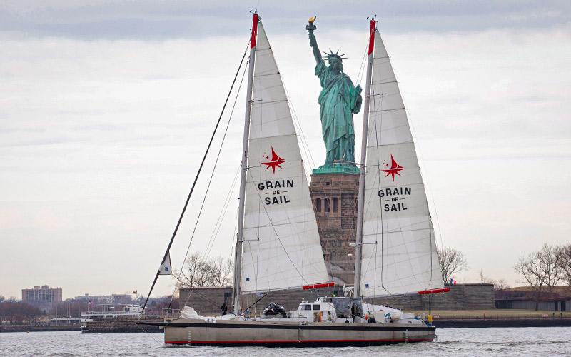 Saint-Nazaire : le voilier Grain de Sail bloqué par une grève des éclusiers