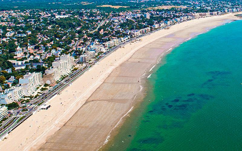 La Baule : la ville fixe une date limite pour laisser son bateau sur la plage