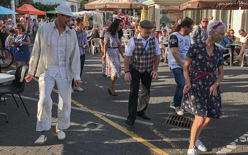 Saint-Marc-sur-Mer : un marché nocturne aux accents Rockabilly