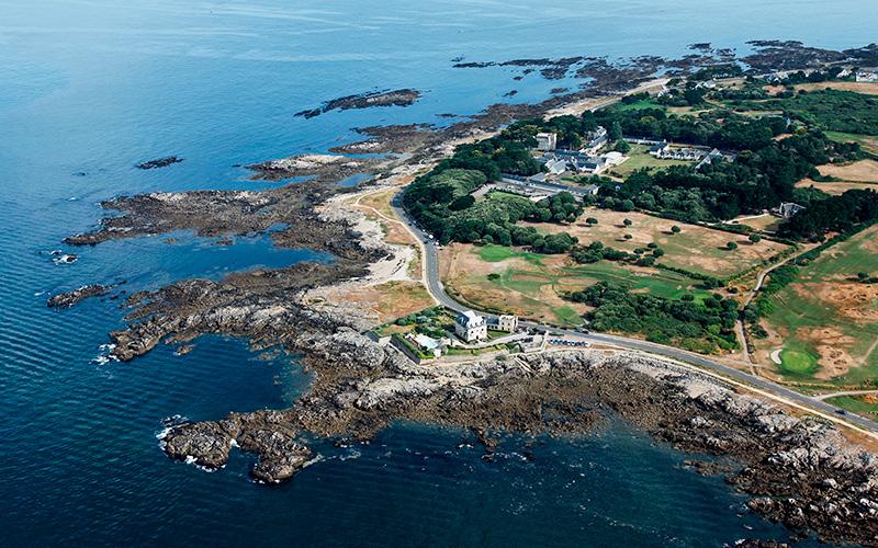 Le Croisic : la baignade interdite sur la plage de Port aux Rocs