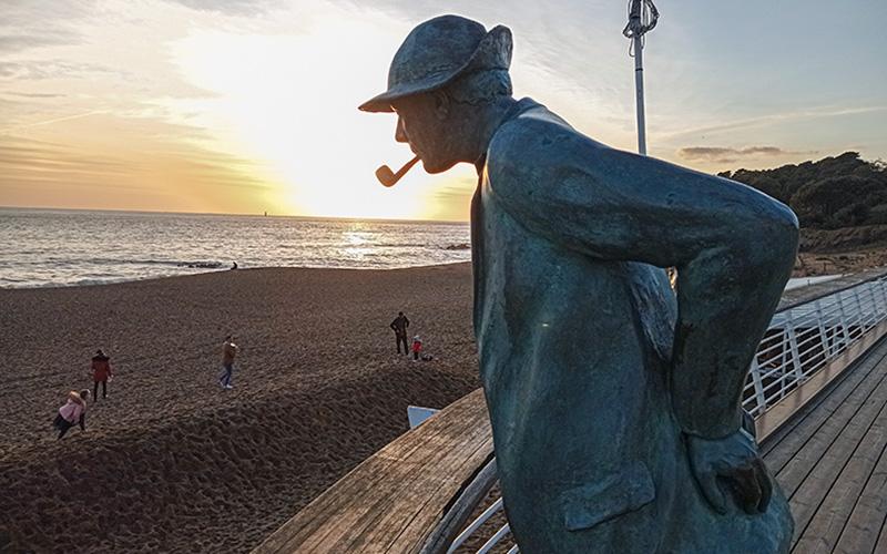 Saint-Nazaire : M. Hulot fête son anniversaire sur la plage de Saint-Marc